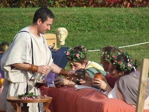 Banquet romain sur un triclinium, Pax Augusta