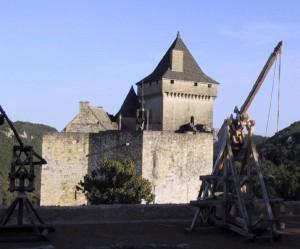 Chateau_de_Castelnaud_trébuchets