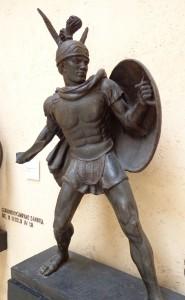Tenue d'insipiration hellenistique