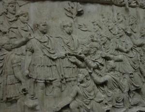 Colonne trajanne, l'Empereur recevant une délégation dace