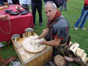 Préparation du pain à Saint Romain en Gal, 2012