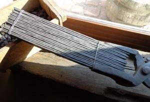 Les plaques avant la farication du barreau d'acier