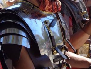 Plaque d'épaule rivetée